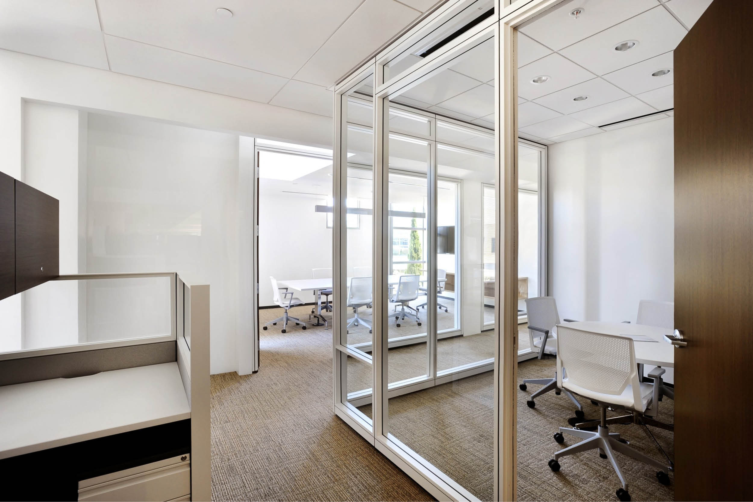 Modern Commercial Office | Glass Partitions White | RES4