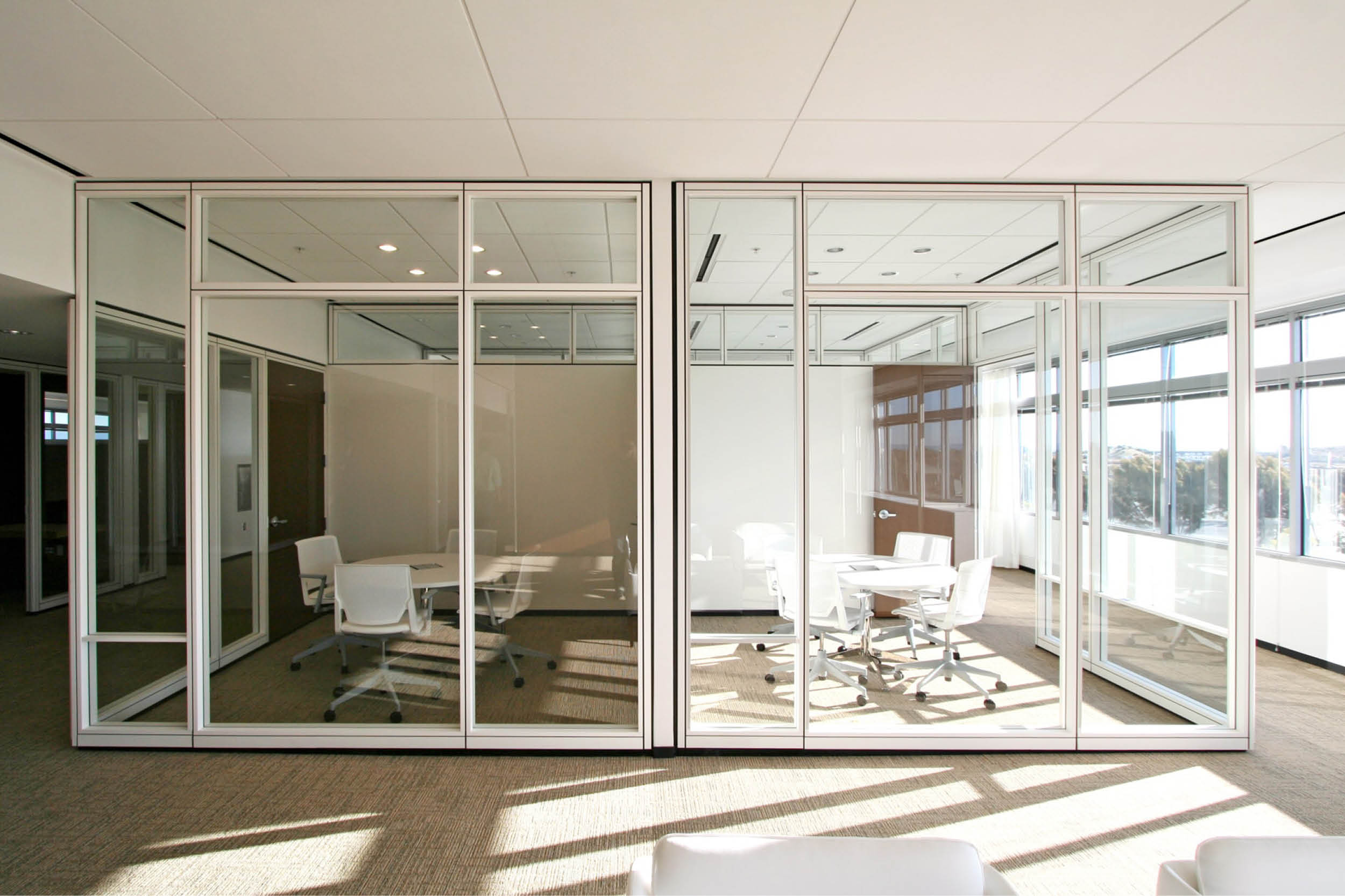Modern Commercial Office | Glass Partitions Conference Meeting Room | RES4