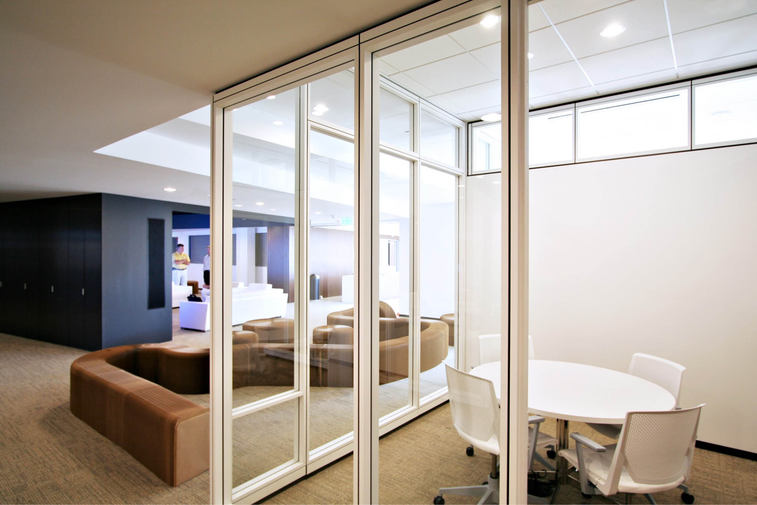 Modern Commercial Office | Glass Partitions Meeting Room | RES4