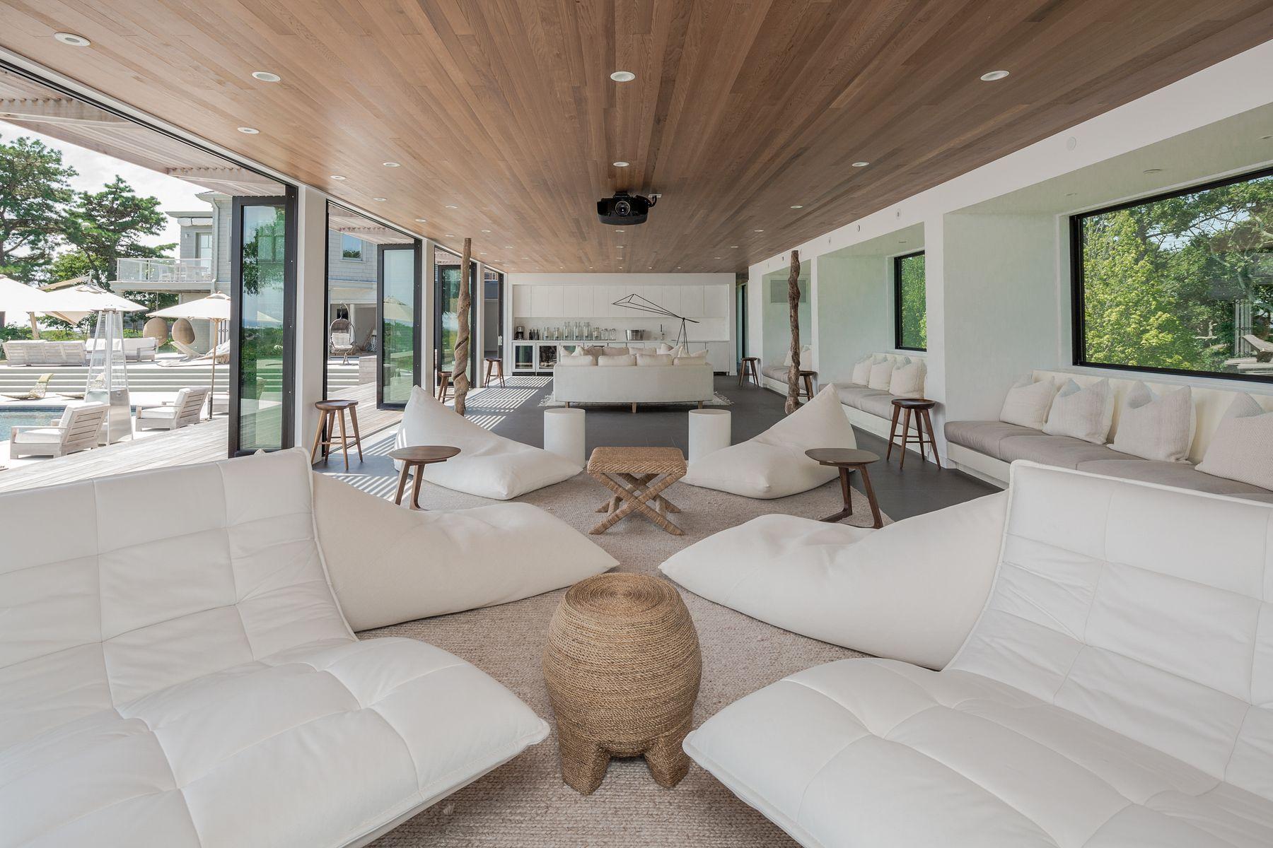 res4-resolution-4-architecture-modern-modular-house-prefab-amagansett-addition-interior-living-lounge.jpg
