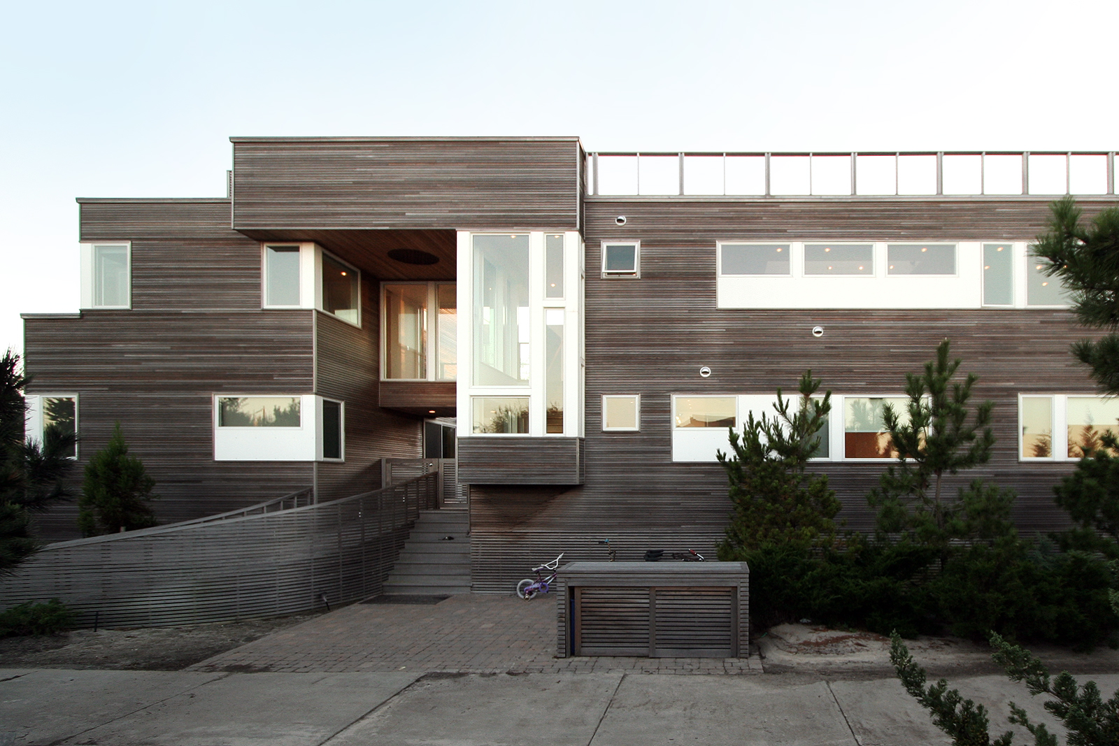 res4-resolution-4-architecture-modern-home-residential-house-on-fire-island-exterior-00.jpg