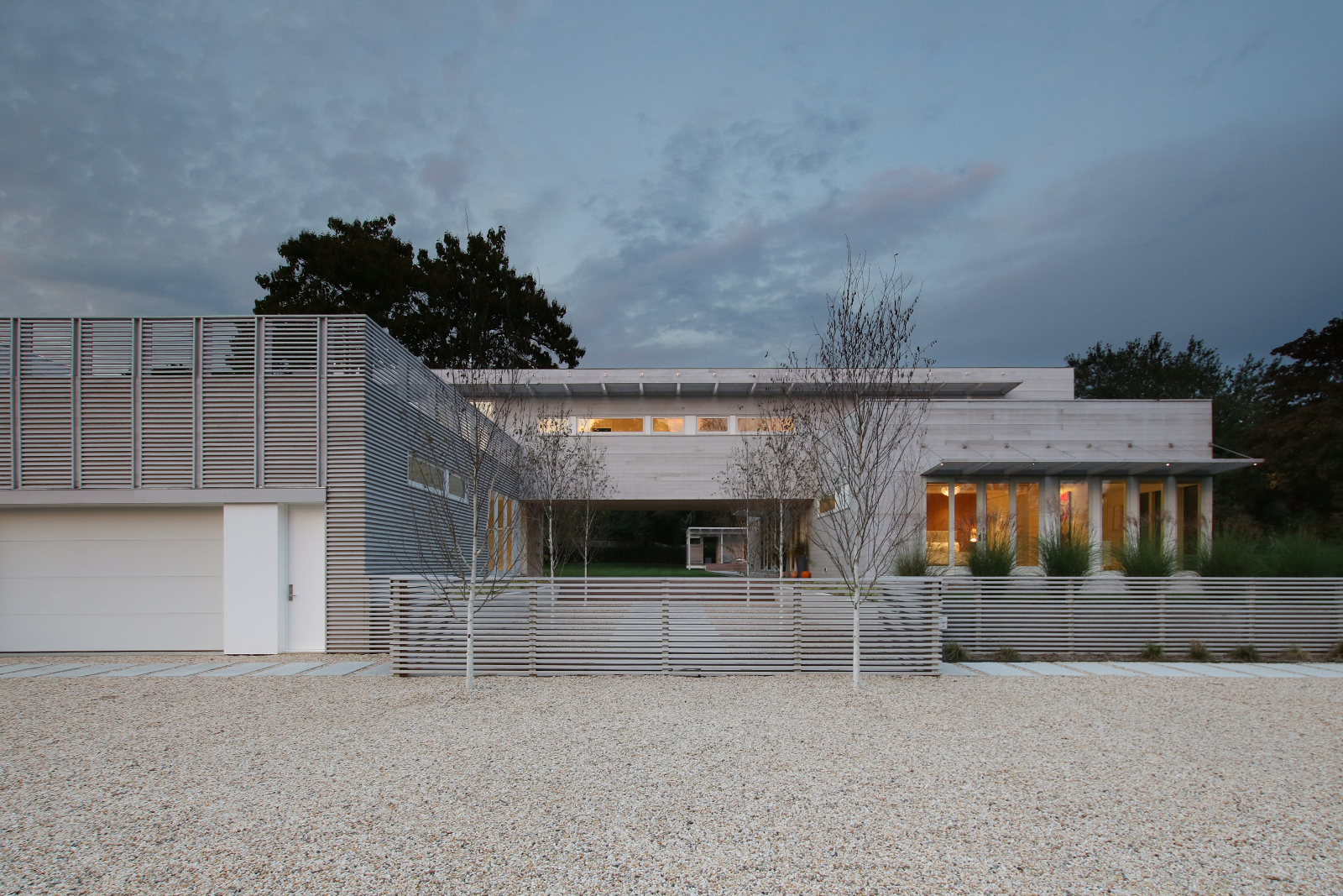 11-re4a-resolution-4-architecture-modern-modular-prefab-bridgehampton house-exterior-dusk.jpg