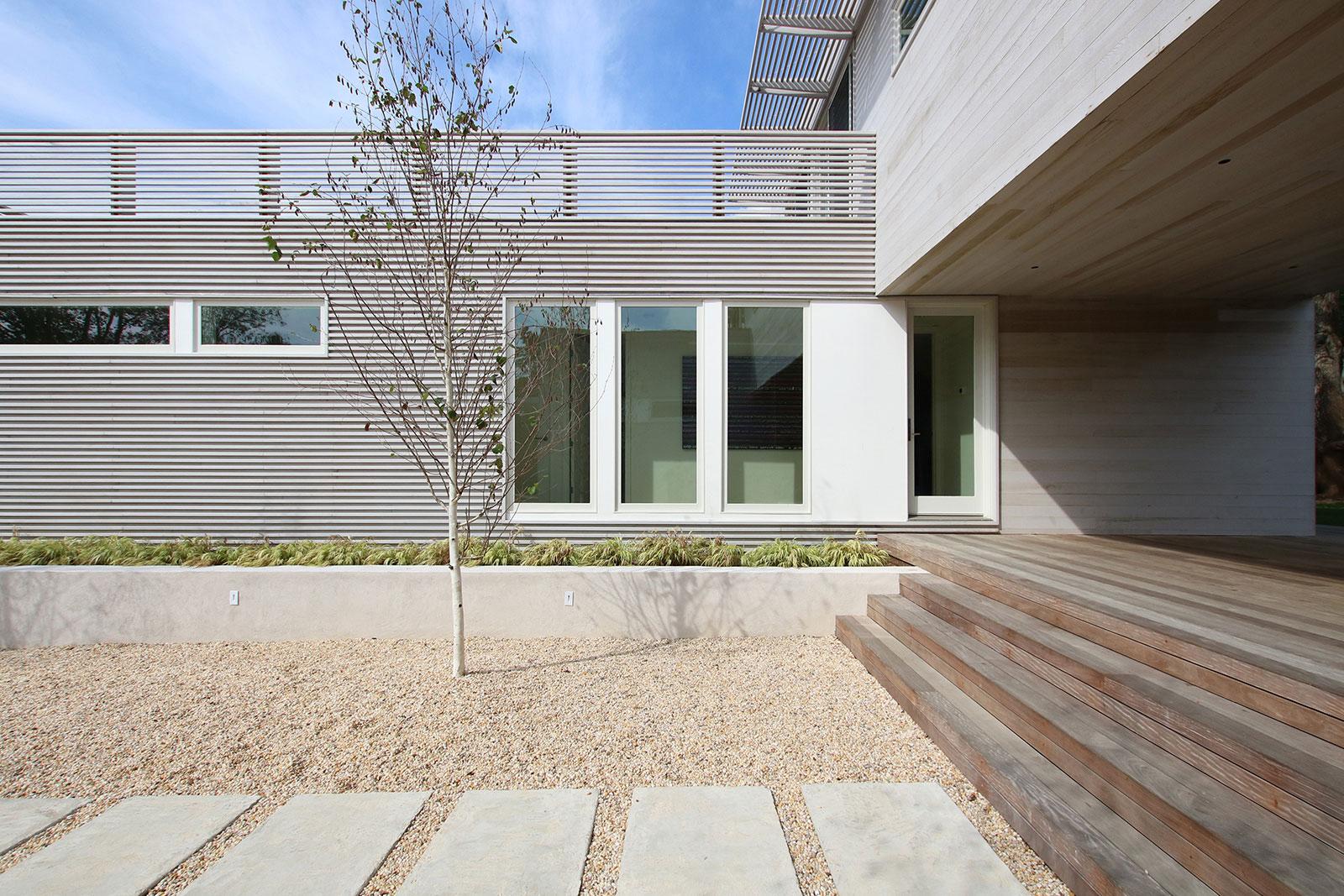 3-re4a-resolution-4-architecture-modern-modular-prefab-bridgehampton house-exterior.jpg