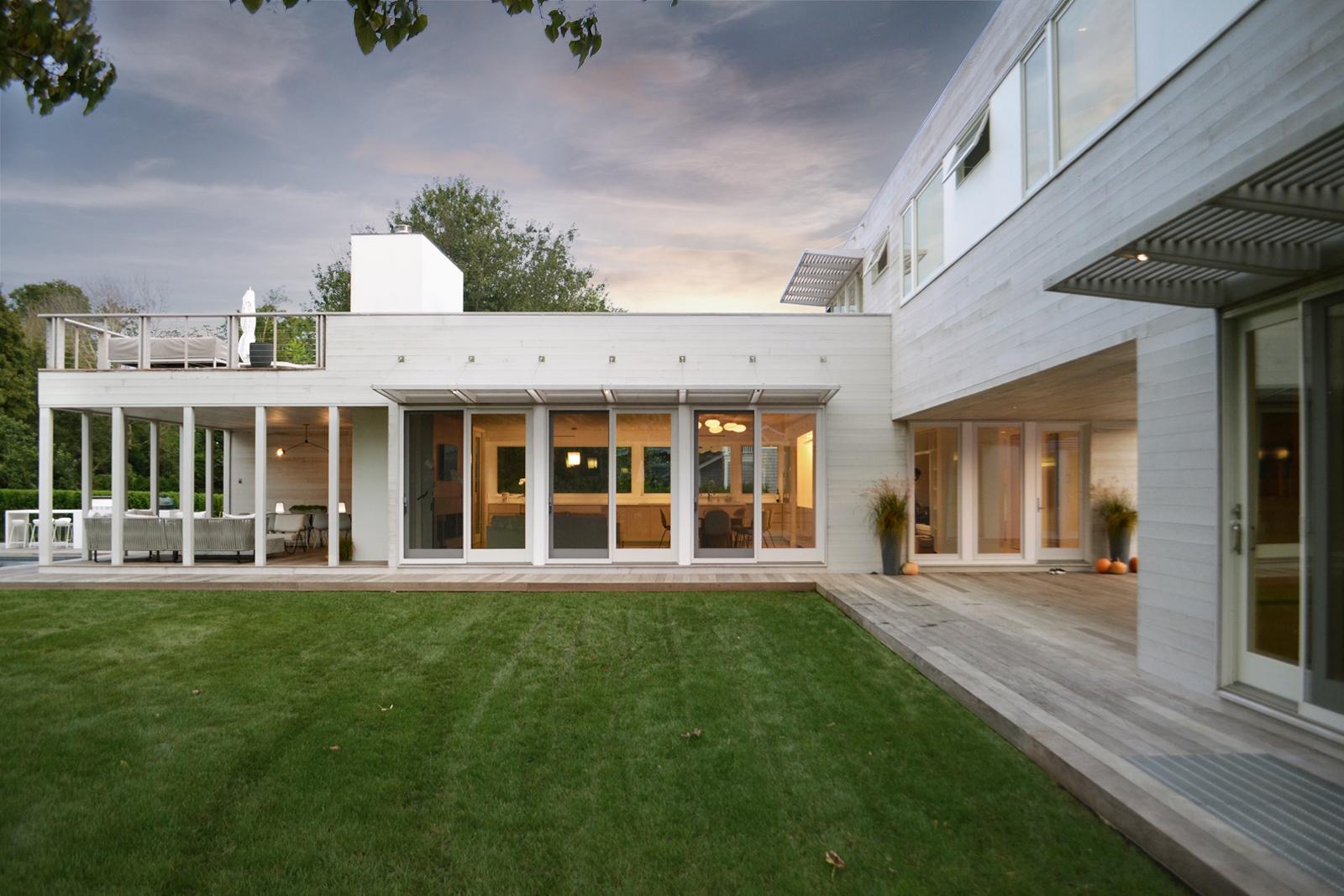 8-re4a-resolution-4-architecture-modern-modular-prefab-bridgehampton house-exterior-dusk.jpg
