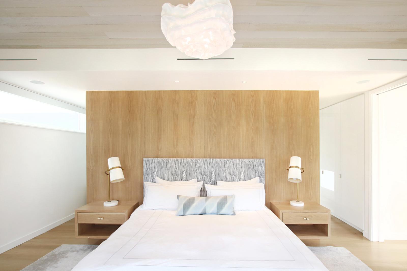 15-re4a-resolution-4-architecture-modern-modular-prefab-bridgehampton house-interior-master-bed-room.jpg