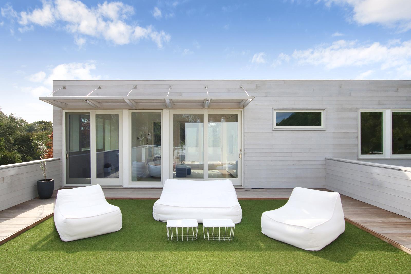 21-re4a-resolution-4-architecture-modern-modular-prefab-bridgehampton house-roof-deck.jpg