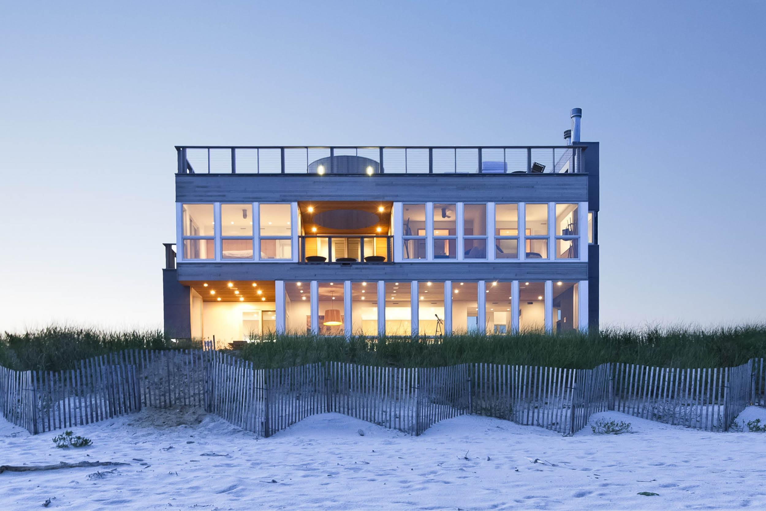 01-res4-resolution-4-architecture-modern-modular-home-prefab-dune-road-beach-house-exterior.jpg