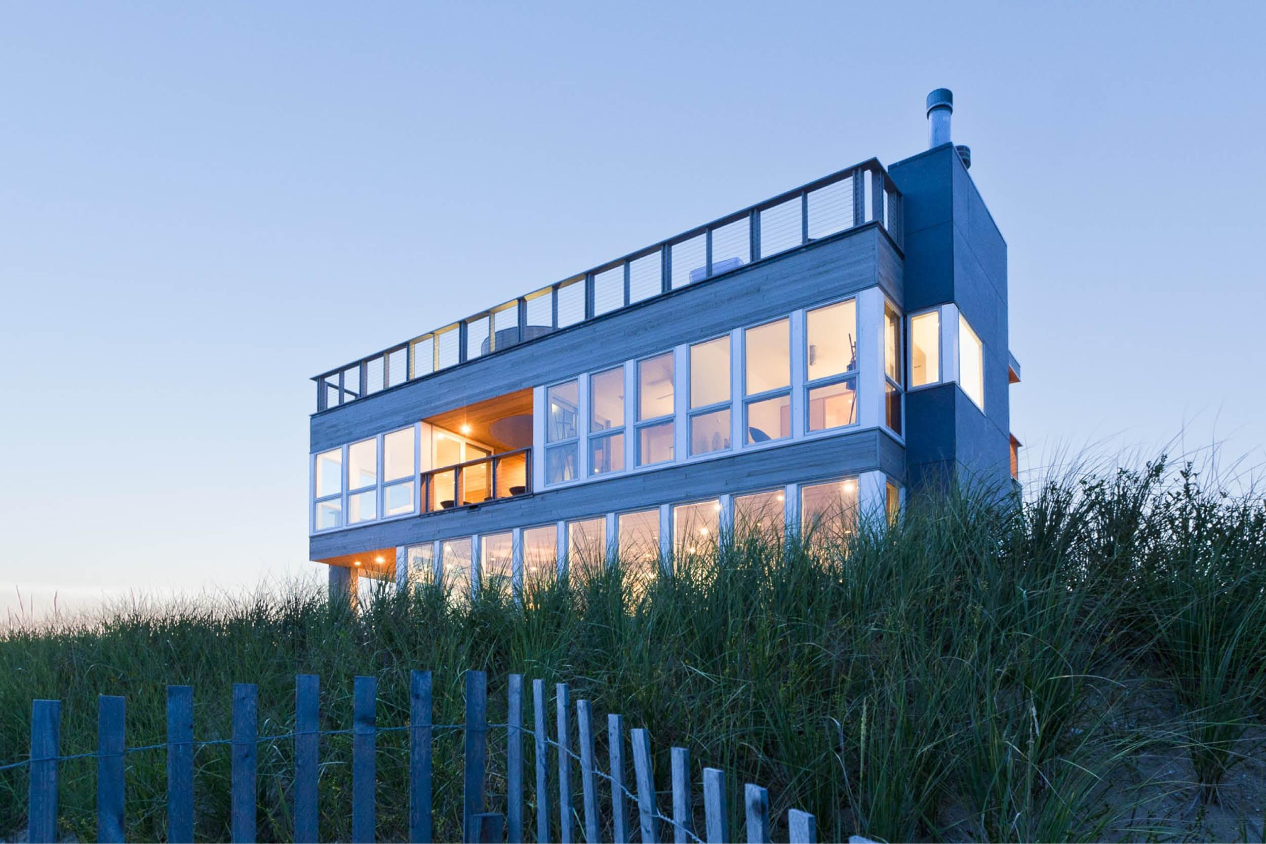 02-res4-resolution-4-architecture-modern-modular-home-prefab-dune-road-beach-house-exterior.jpg
