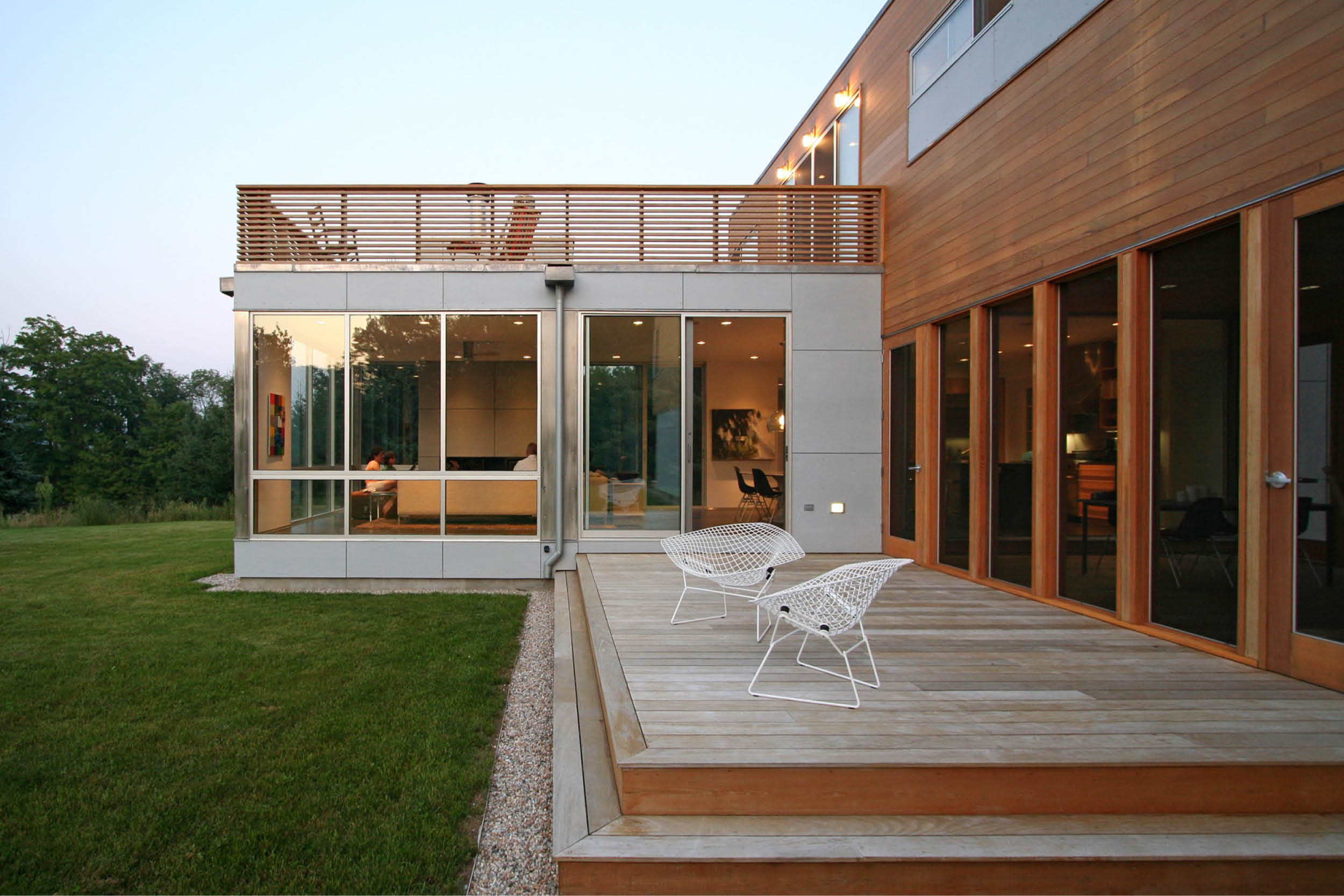 04-res4-resolution-4-architecture-modern-modular-home-prefab-sunset-ridge-house-exterior.jpg