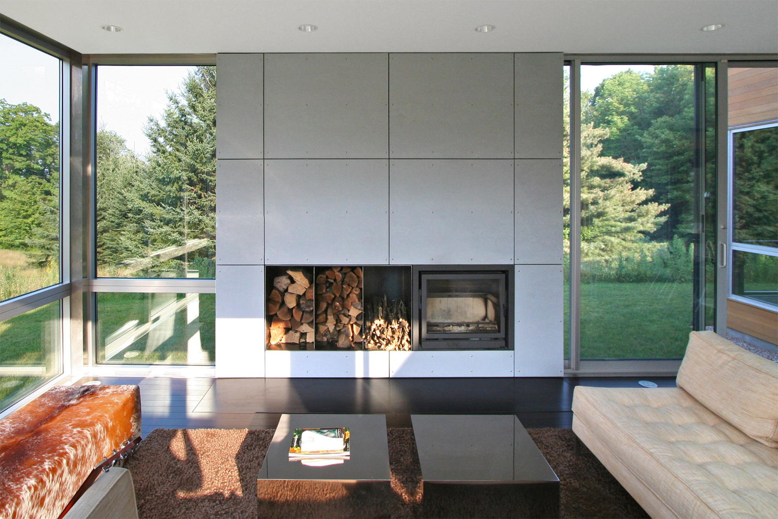 06-res4-resolution-4-architecture-modern-modular-home-prefab-sunset-ridge-house-interior-living-room.jpg