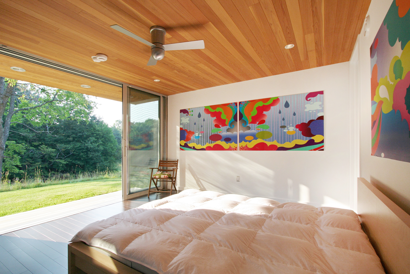 09-res4-resolution-4-architecture-modern-modular-home-prefab-sunset-ridge-house-interior-open-bedroom.jpg