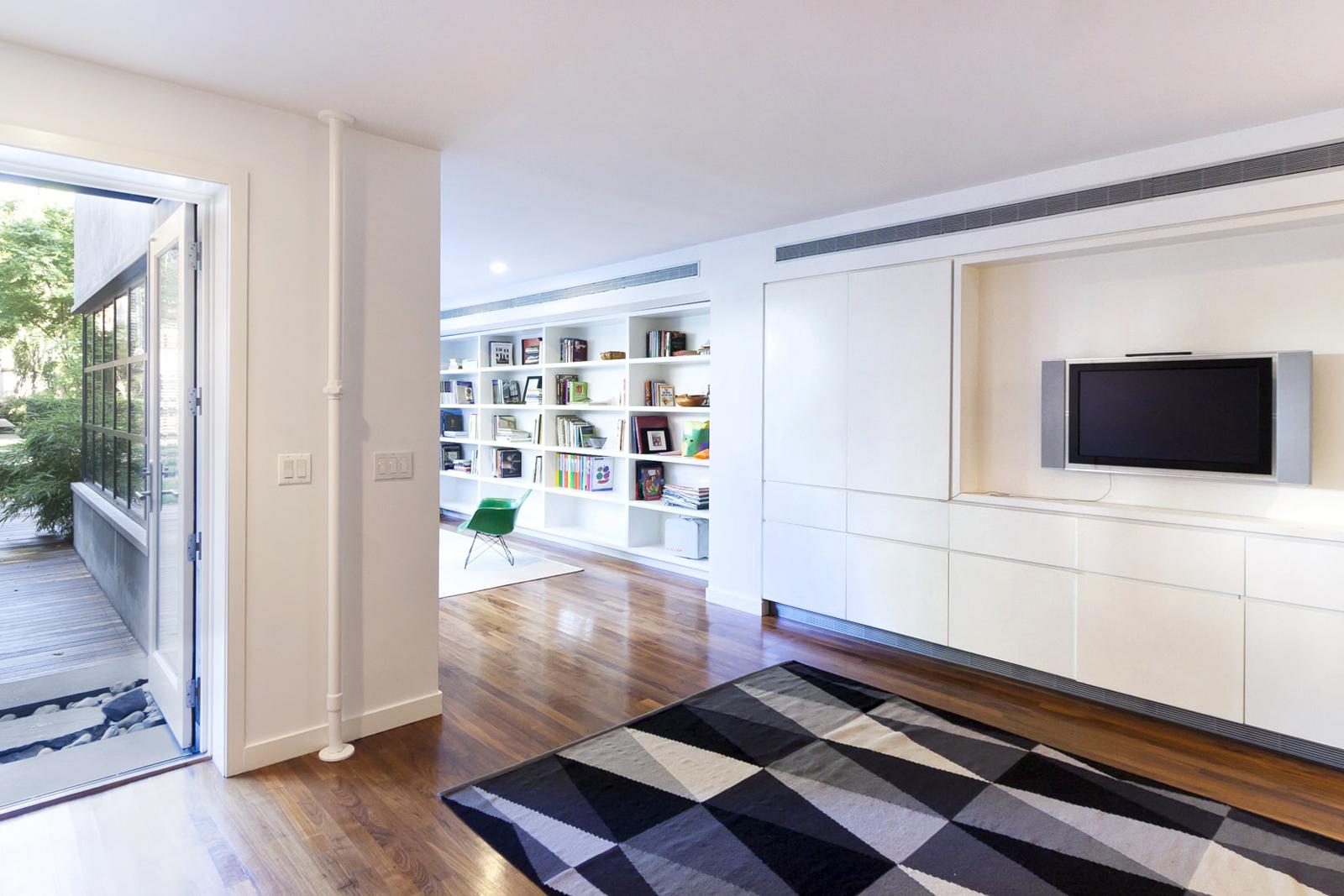 07-res4-resolution-4-architecture-modern-residential-warren-street-townhouse-interior-living-room-03.jpg