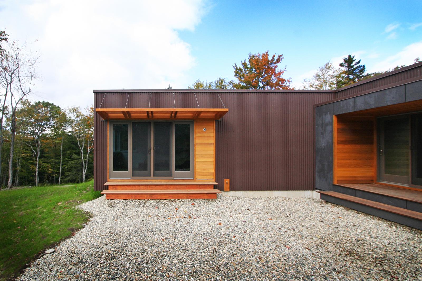04-res4-resolution-4-architecture-modern-modular-home-prefab-house-vermont-cabin-exterior.jpg