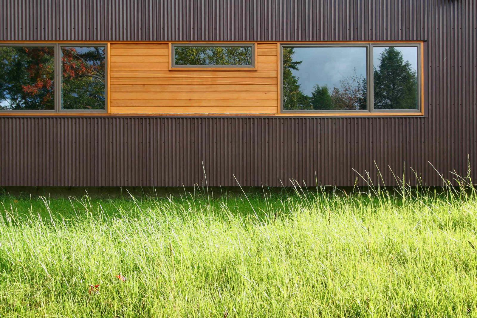 06-res4-resolution-4-architecture-modern-modular-home-prefab-house-vermont-cabin-exterior.jpg