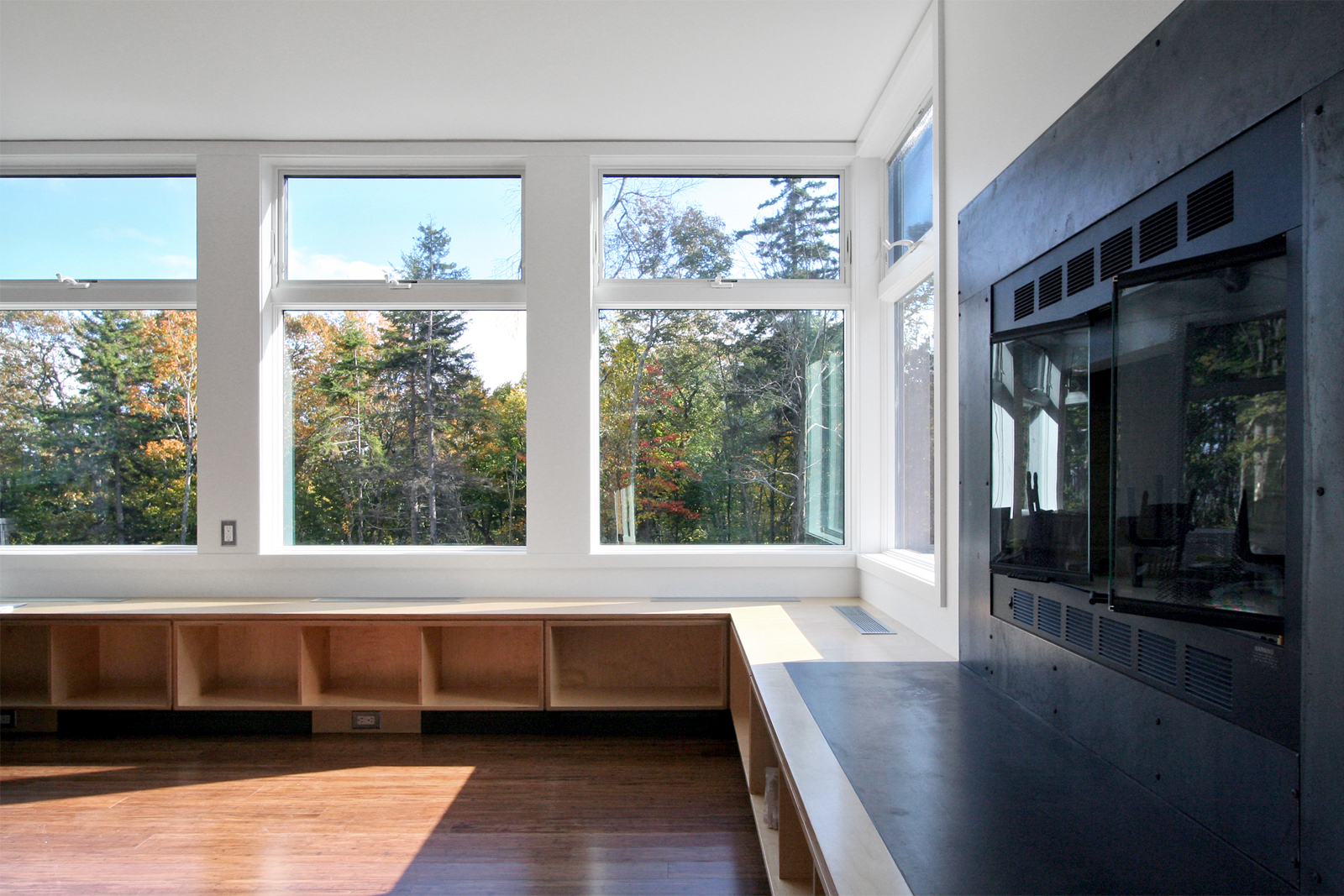 08-res4-resolution-4-architecture-modern-modular-home-prefab-house-vermont-cabin-interior.jpg