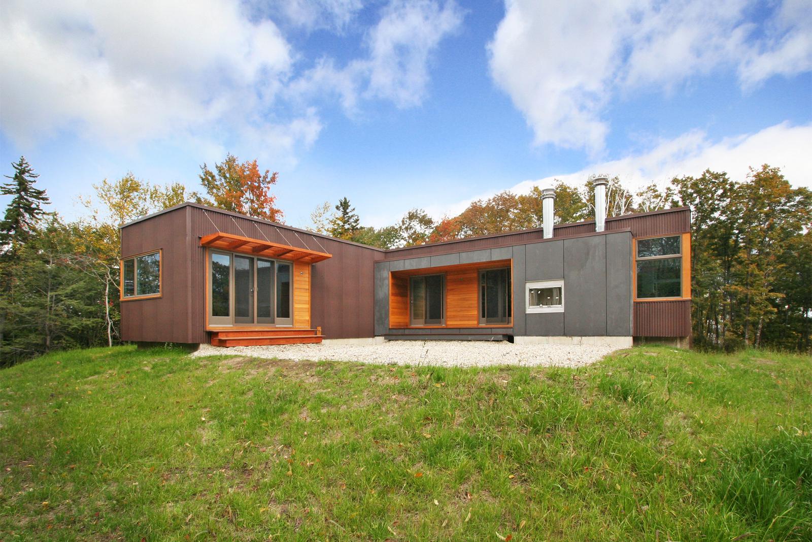 10-res4-resolution-4-architecture-modern-modular-home-prefab-house-vermont-cabin-exterior.jpg