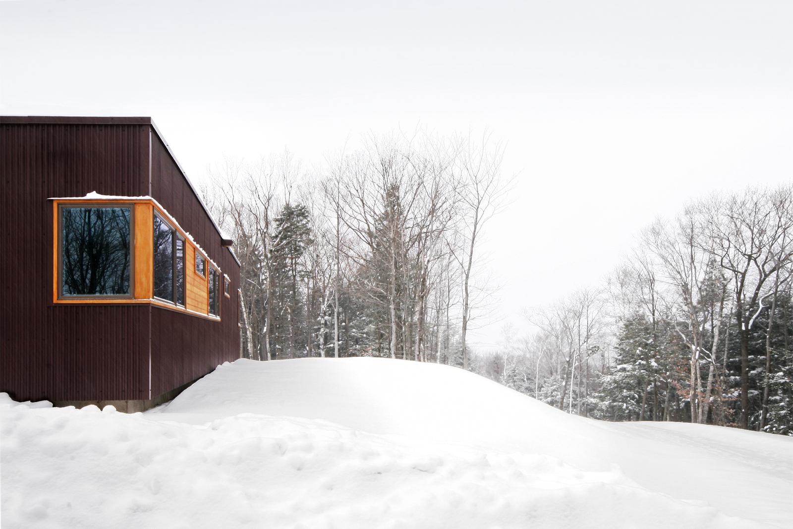 13-res4-resolution-4-architecture-modern-modular-home-prefab-house-vermont-cabin-exterior.jpg