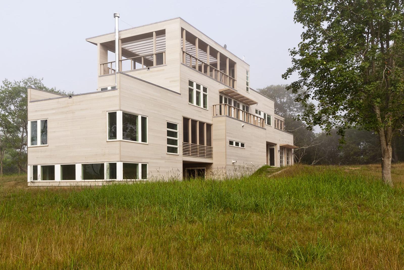 04-res4-resolution-4-architecture-modern-modular-home-prefab-house-fishers-island-exterior.jpg