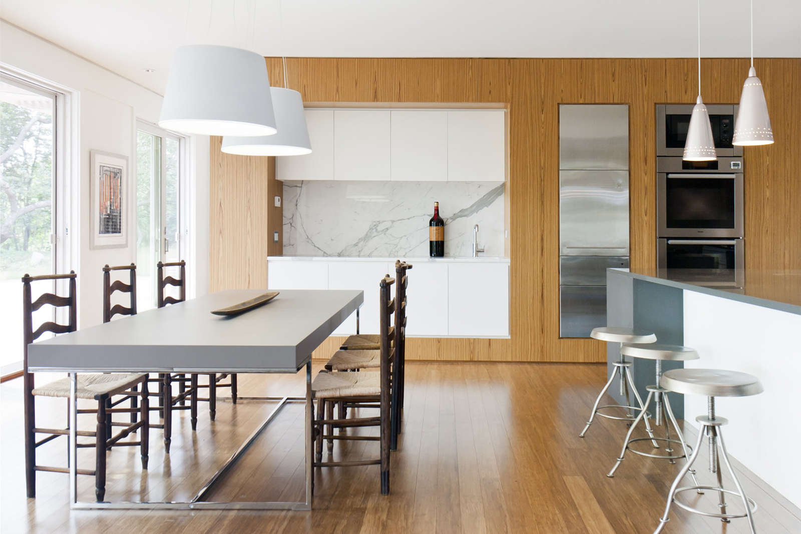 11-res4-resolution-4-architecture-modern-modular-home-prefab-house-fishers-island-interior-kitchen-dining.jpg