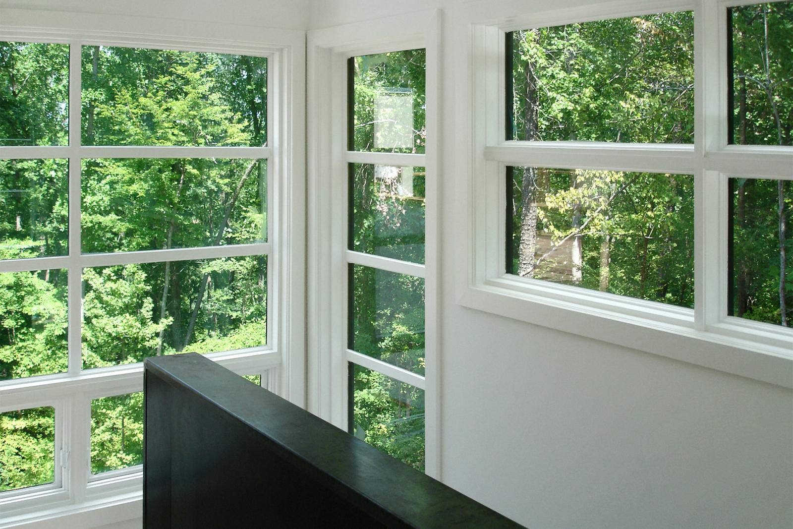 13-architecture-modern-modular-house-prefab-dwell-home-interior-stair-hall.jpg