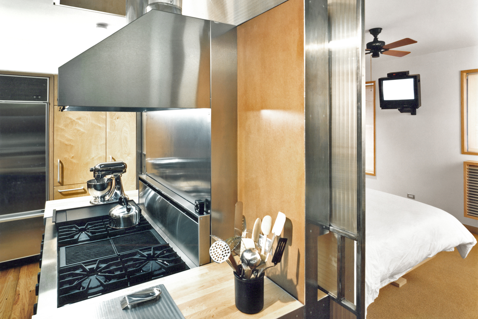08-res4-resolution-4-architecture-modern-apartment-residential-rons-loft-interior-kitchen-bedroom.jpg