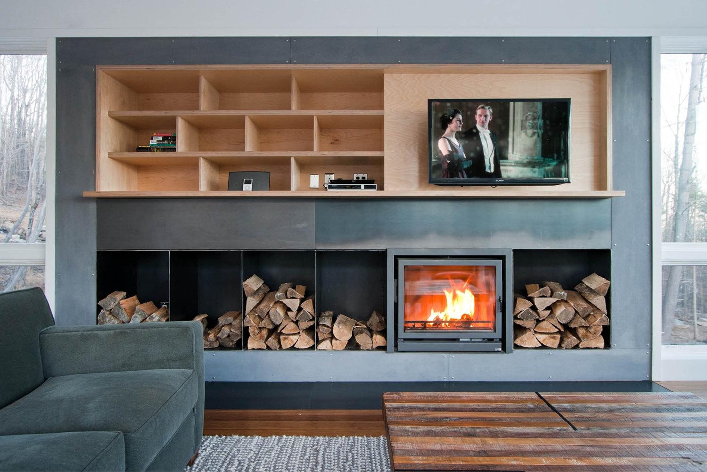 res4-resolution-4-architecture-modern-modular-home-prefab-house-olive-bridge-interior-living-room-fireplace.jpg