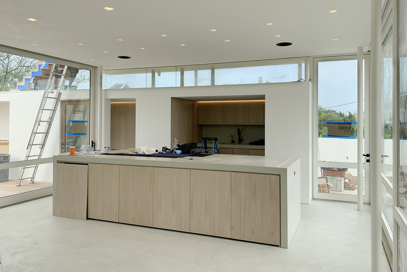 12-res4-resolution-4-architecture-surfside-modern-renovation-montauk-hamptons-ny-kitchen.jpg