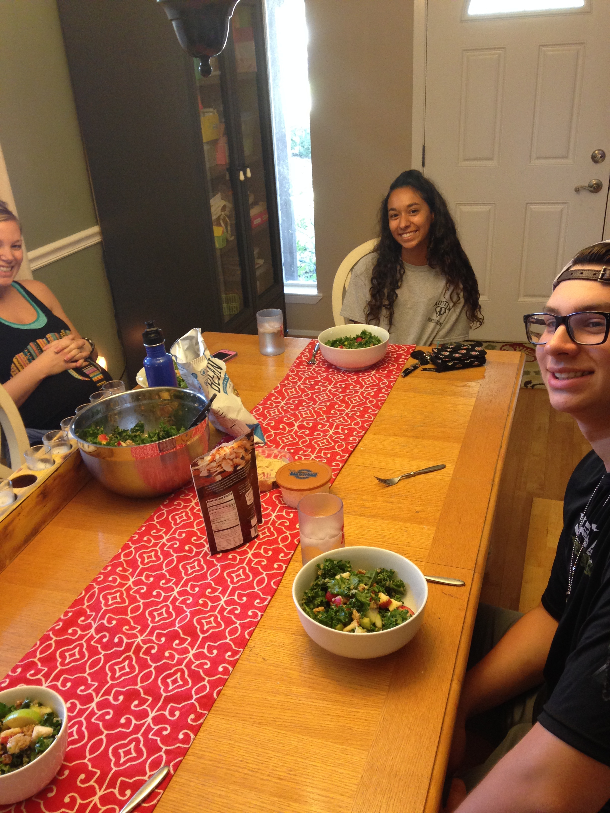 Our Houston Seekers after their nutritional scavenger hunt enjoying their meal and I am sure a lively discussion with Gary and his lovely wife.