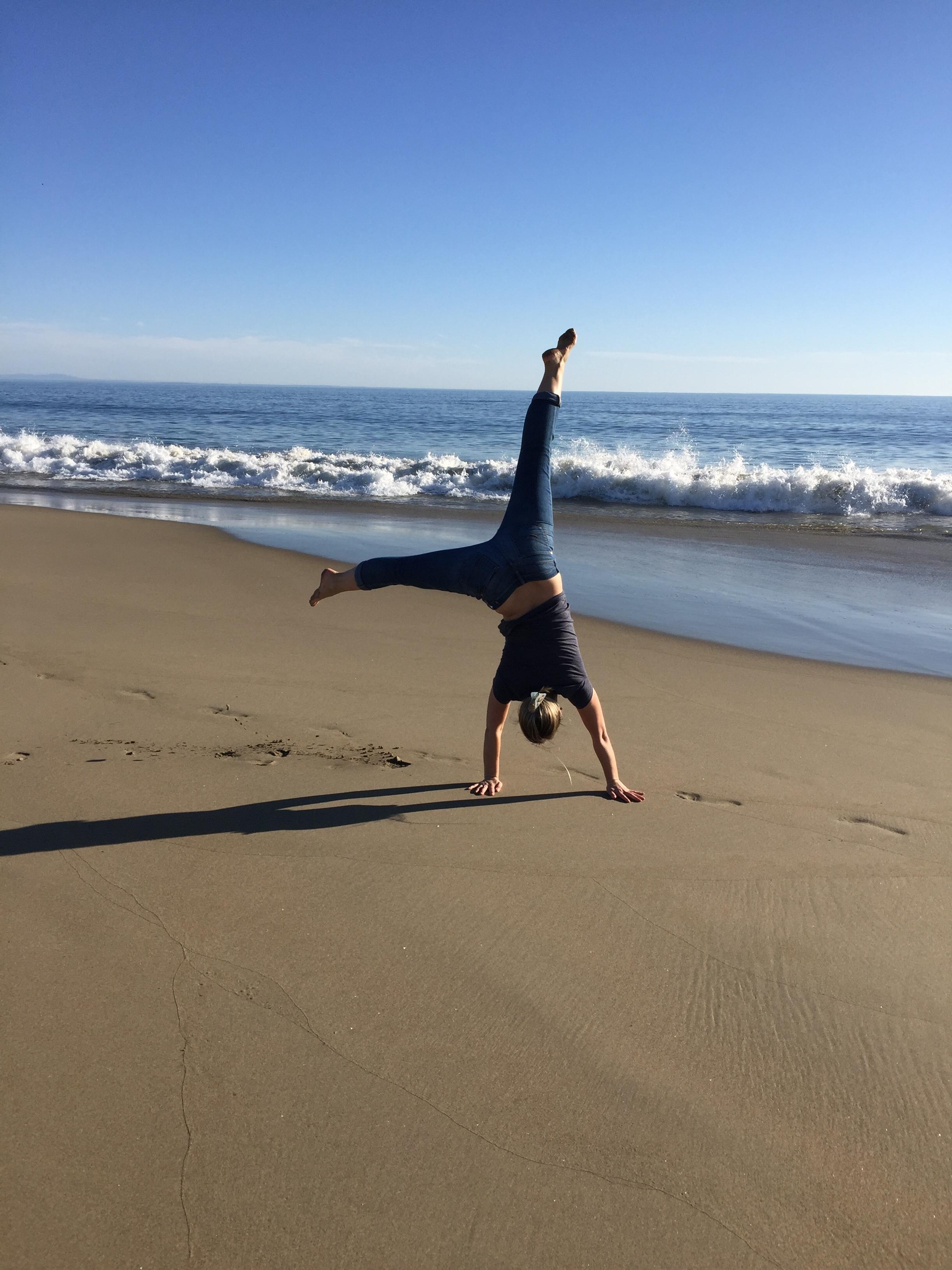 beach cartwheels.JPG