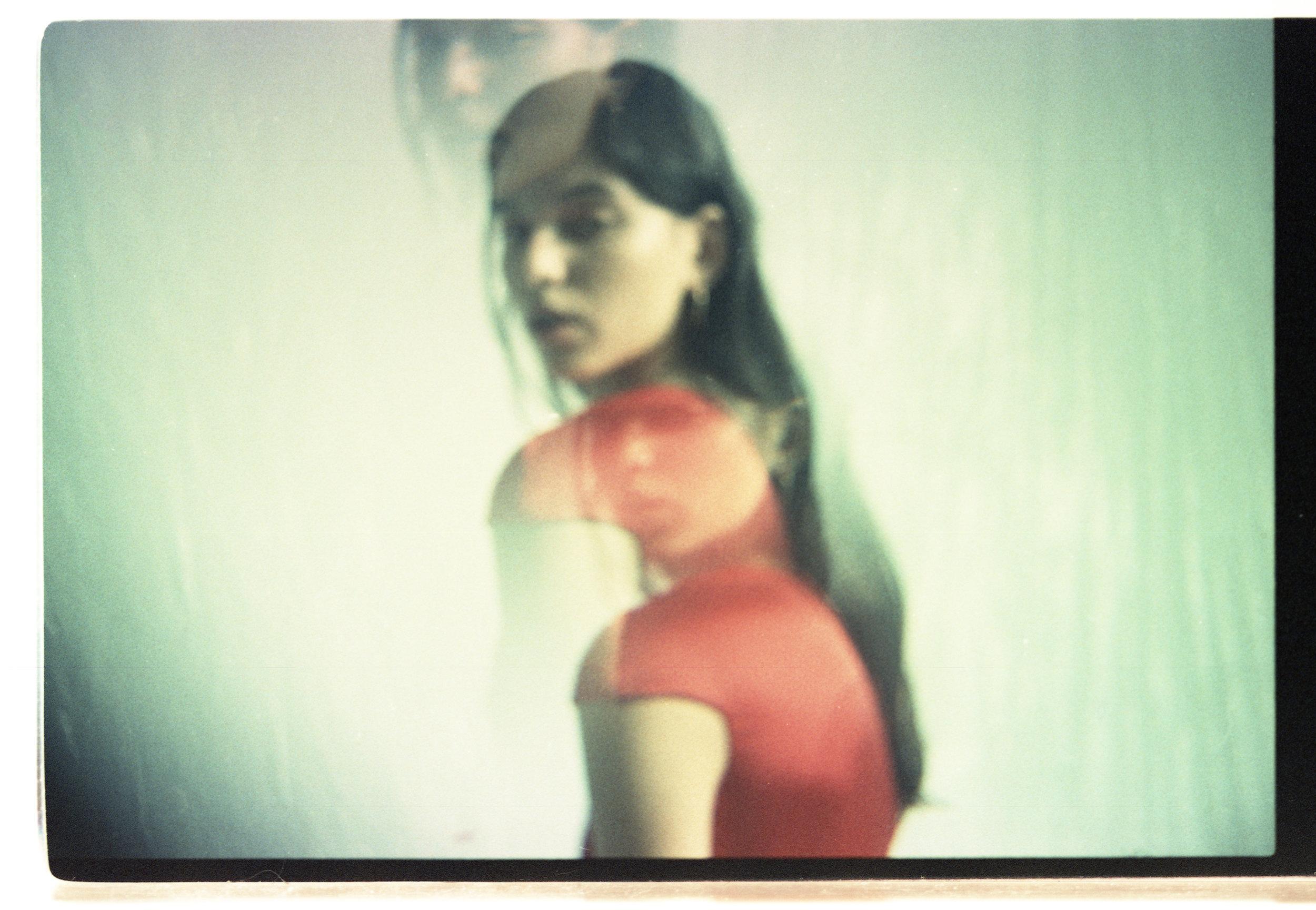 Red satin dress.18ct golden square earring ATELIER VM