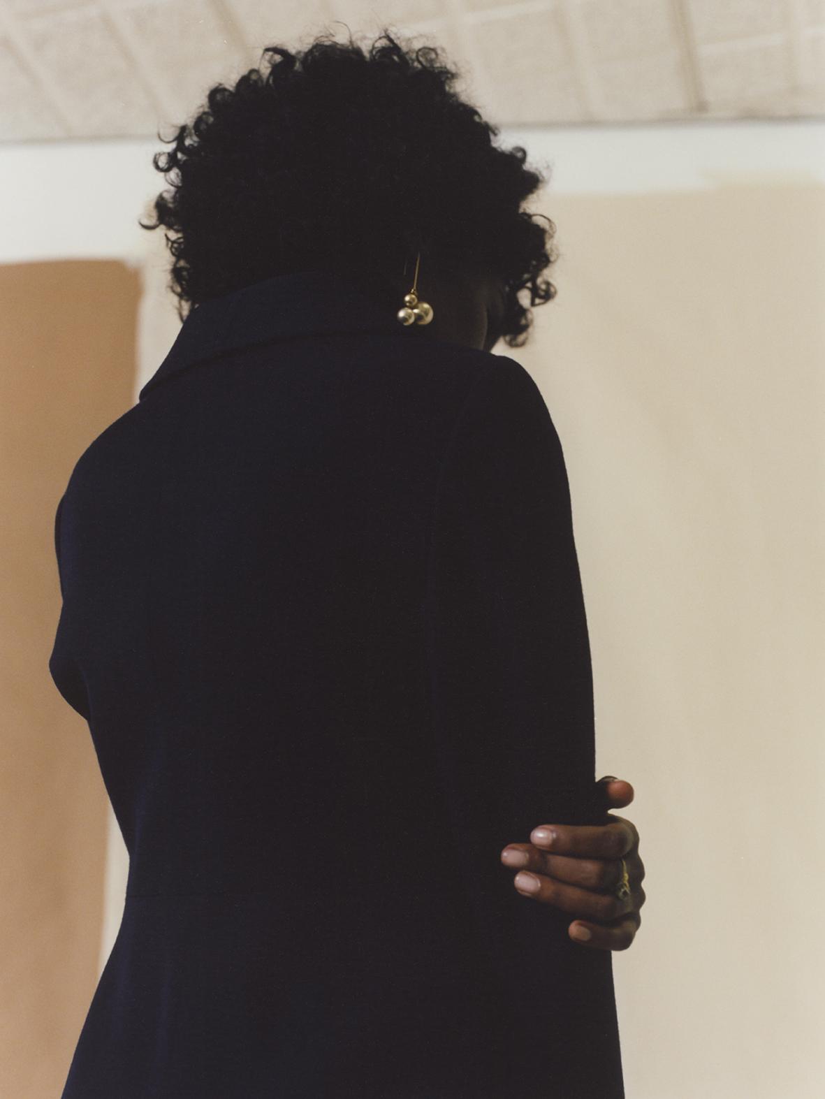 1969 wool gabardine bicolor dress FRANCO JACASSI VINTAGE DELIRIUM, ivory gold pearl earrings CÉLINE.