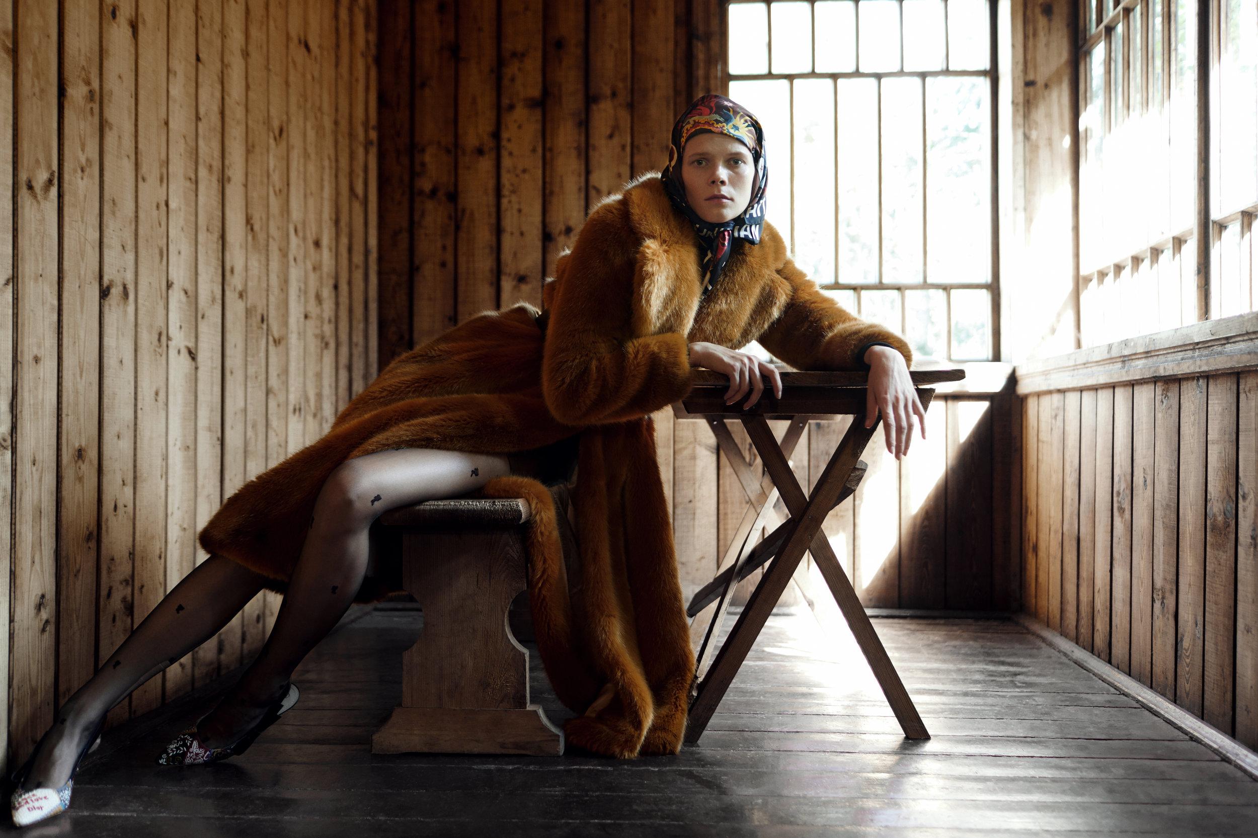 Coat Elisabetta Franchi, scarf and pumps Dior