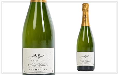 WM101 - Champagne Tradition Serge Mathieu 0,75l - Dieser weiße, rotgolden schimmernde Champagner aus roten Trauben reift mindestens 2 Jahre im Keller. Er besitzt ein delikates und fruchtiges Bouquet mit einem langanhaltendem fruchtigem Geschmack. Preis p. Liter 50,54€37,90 €