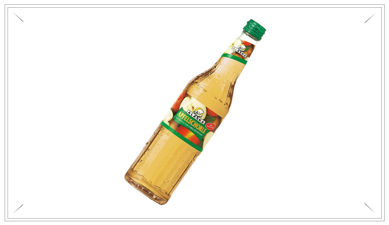 AL104 - Alaska Apfelschorle 0,5l - Apfelsaft aus Apfelsaftkonzentrat (50%), Wasser, Kohlensäure, natürliches Aroma.Preis p. Liter 3,00€ inkl. 0,08 PfandPreis pro Flasche 1,90 € (inkl. Pfand 0,08 €)AL104Preis pro Kasten 21,00 (inkl. Pfand 3,10 €)AL104a