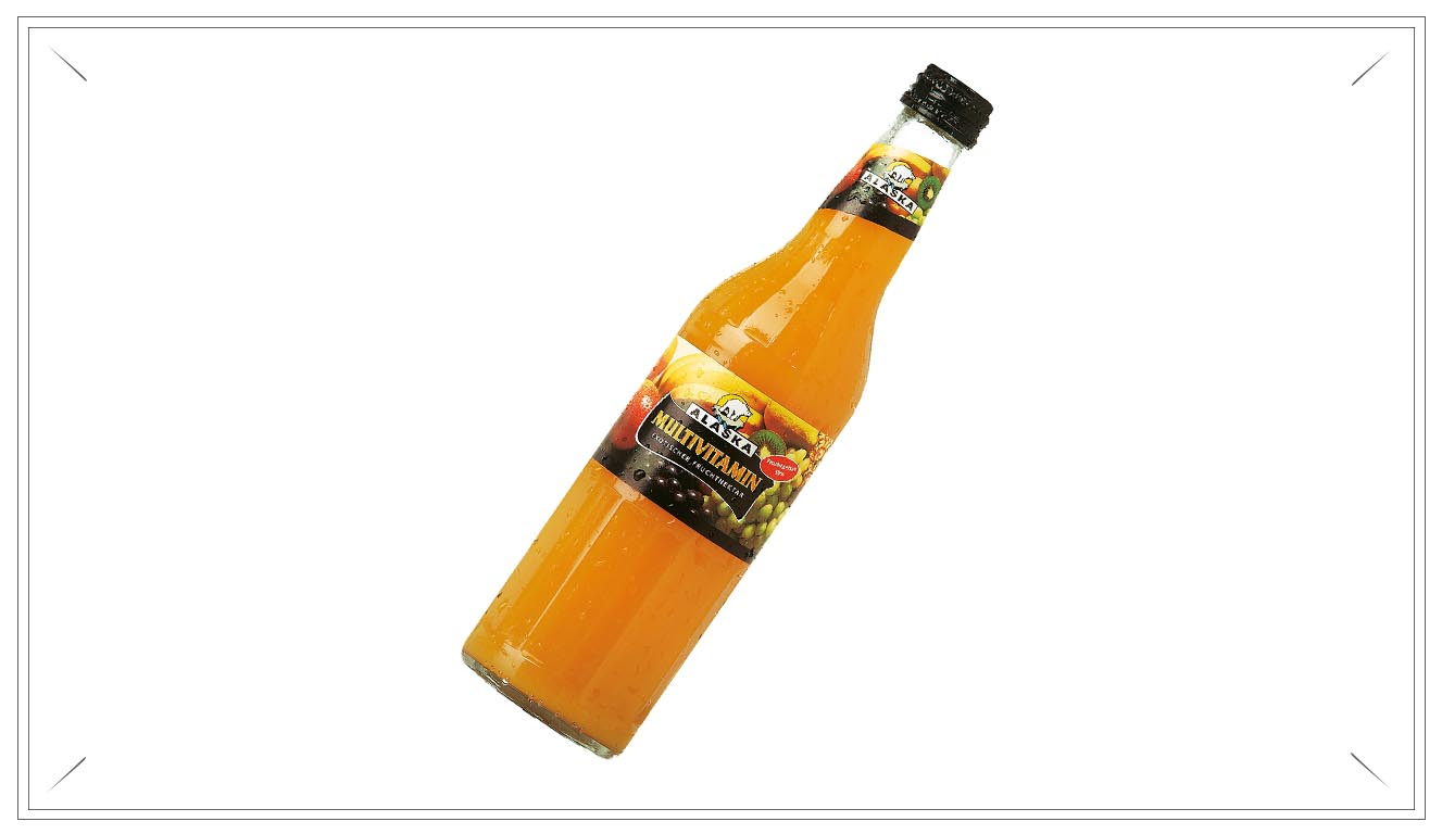 AL106 - Alaska Multivitamin 0,5l - Wasser, Apfel-, Ananas-, Grapefruit-, Trauben-, Orangen-, Birnen-, Zitronensaftkonzentrat, Pfirsich-, Aprikosenmark, Maracujasaftkonzentrat, Mango-, Bananen-, Guaven-, Papayamark, Fruktosesirup, Vitamin C, Süßungsmittel Cyclamat, Saccharin und Acesulfam K, Säuerungsmittel Citronensäure, Niacin, Vitamin E, Pantothensäure, Provitamin A, Vitamin B6, Vitamin B1, Folsäure, Biotin, Vitamin B12.Preis p. Liter 3,00€ inkl. 0,08 PfandPreis pro Flasche 1,90 € (inkl. Pfand 0,08 €)AL106Preis pro Kasten 21,00 (inkl. Pfand 3,10 €)AL106a