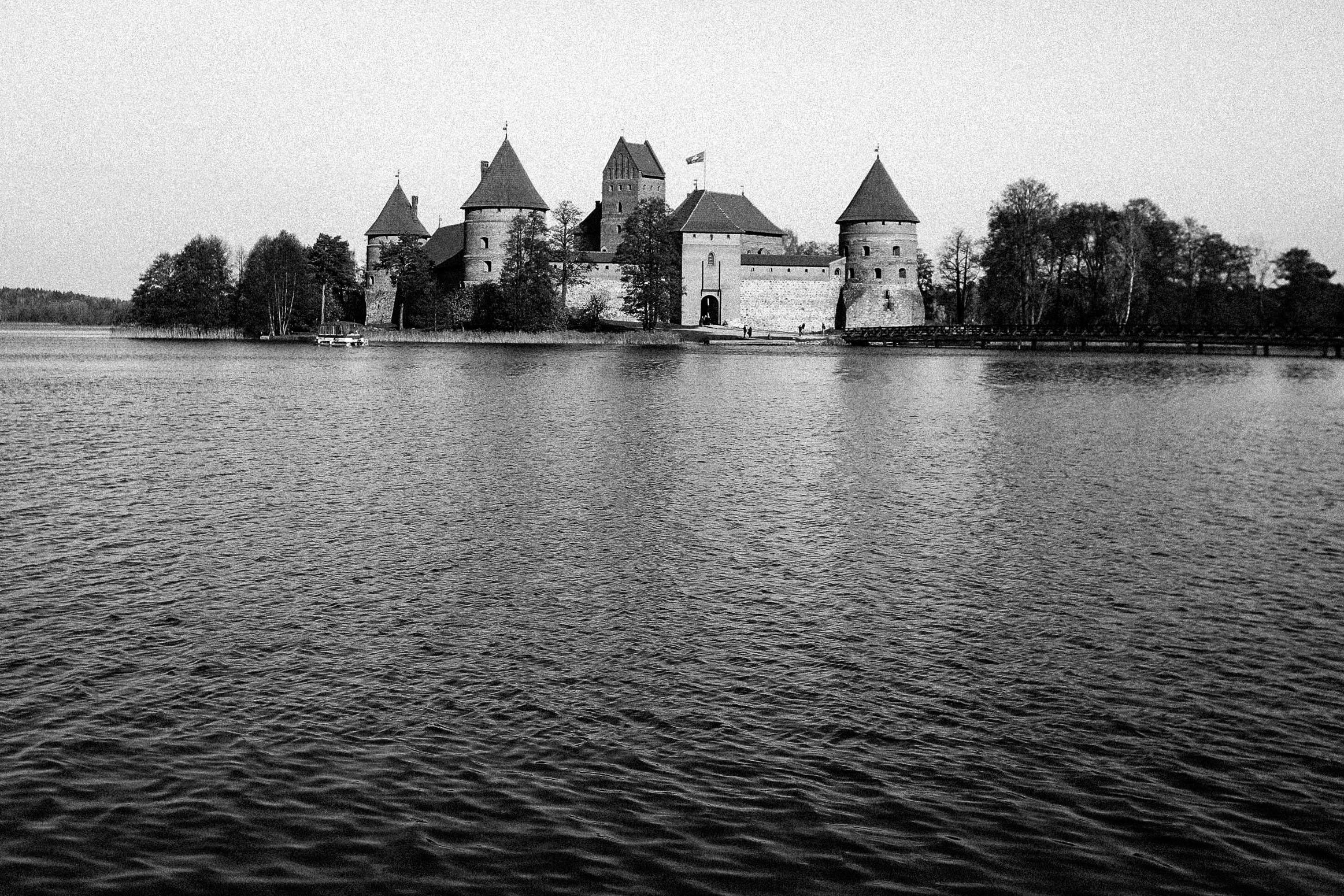 Trakai_Lithuania_Castle_1.jpg