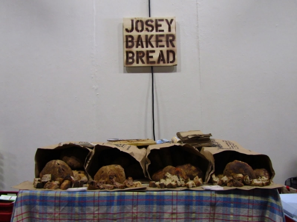 this was the first time that i baked a bunch of bread and tried selling it to strangers. it was at the Underground Farmer's Market in 2011, and i baked all the bread at Pizzaiolo real early in the morning. and that's my original JBB sign!! i used my totally sick graphic design microsoft word art skillz to turn that into my logo as well. awwwwww memories.