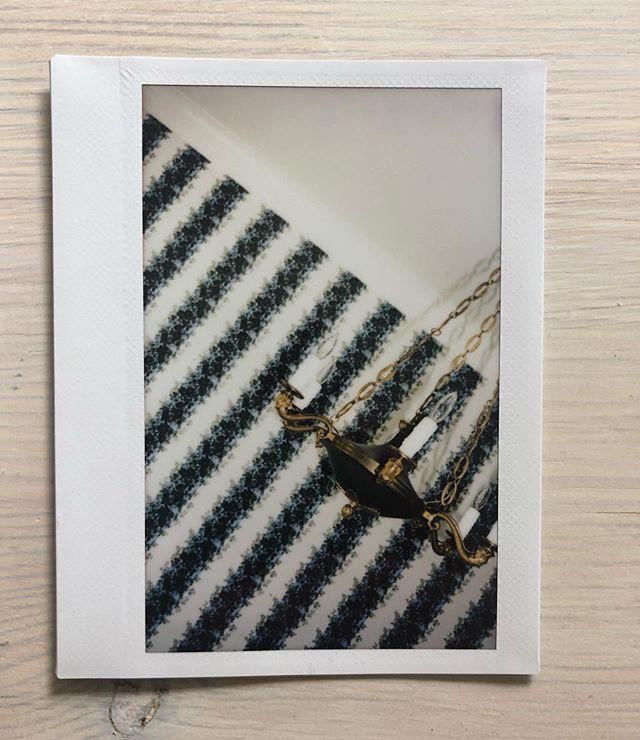 install Polaroid // Amagansett dining room 🌿 06.17.19