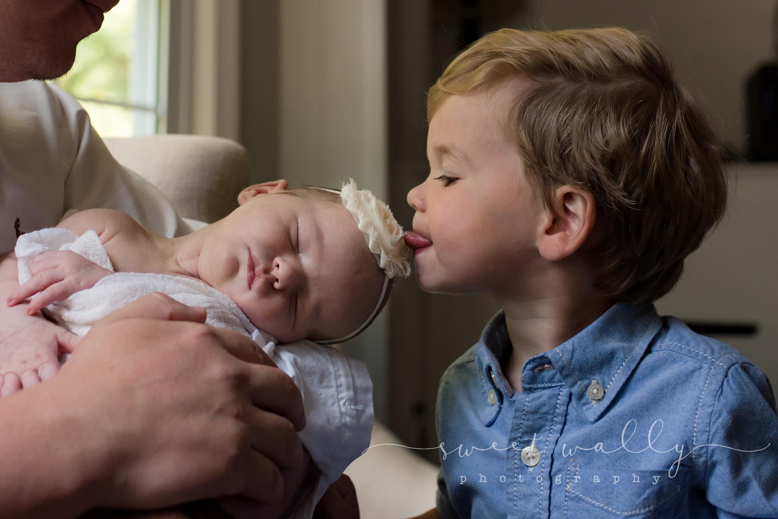 #littlesisterproblems | Lifestyle Newborn Session | Nashville Newborn Photographer | Sweet Wally Photography
