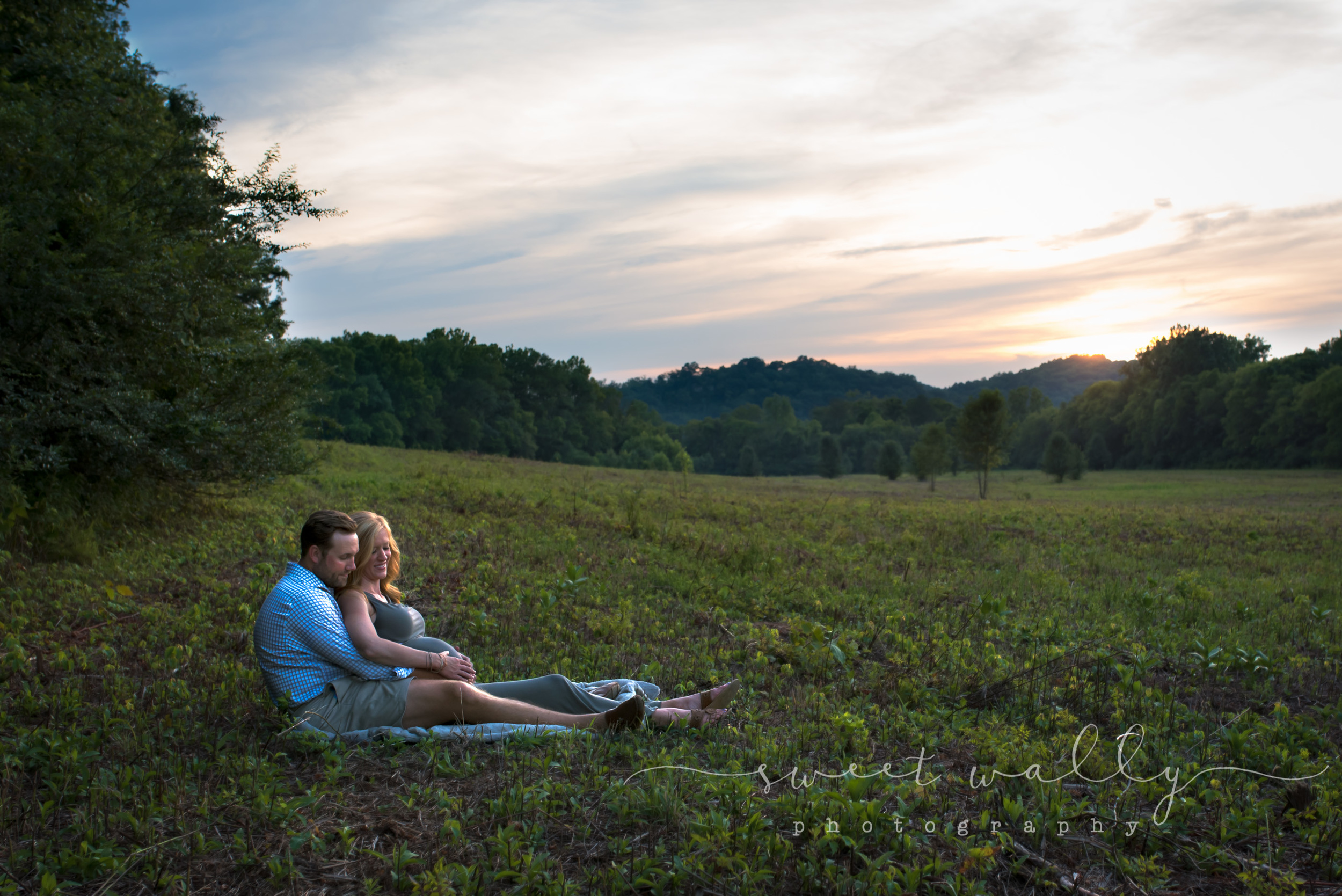 Outdoor Maternity Session | Sweet Wally Photography | Maternity Photographer in Nashville
