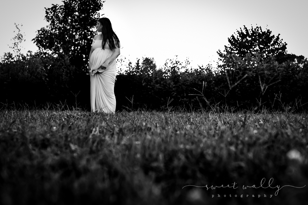 She's a stand out with her bump out | Sweet Wally Photography | Nashville Maternity Photography