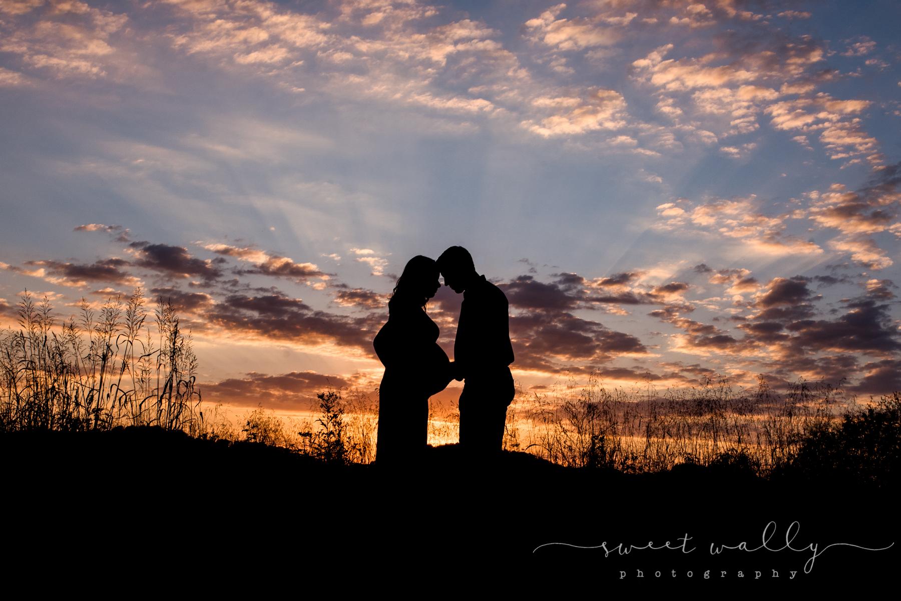 Baby bump silhouette | Sweet Wally Photography | Maternity Photographer | Nashville, TN
