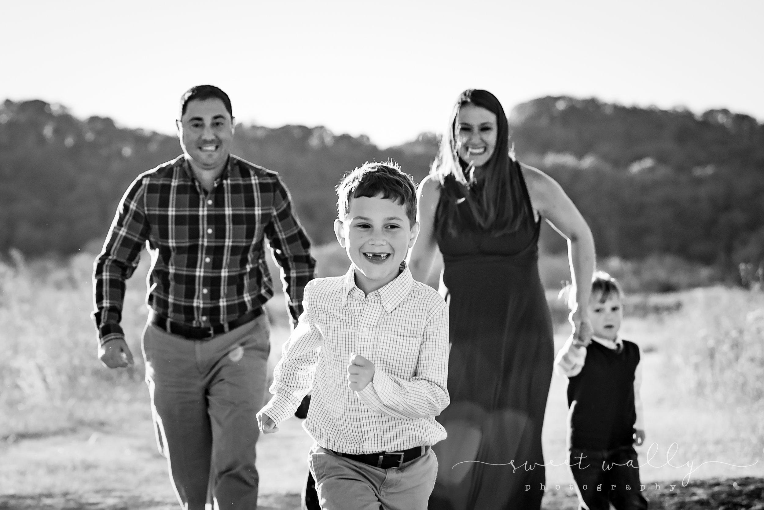 Family Maternity Photos   Sweet Wally Photography   Nashville Maternity Photographer