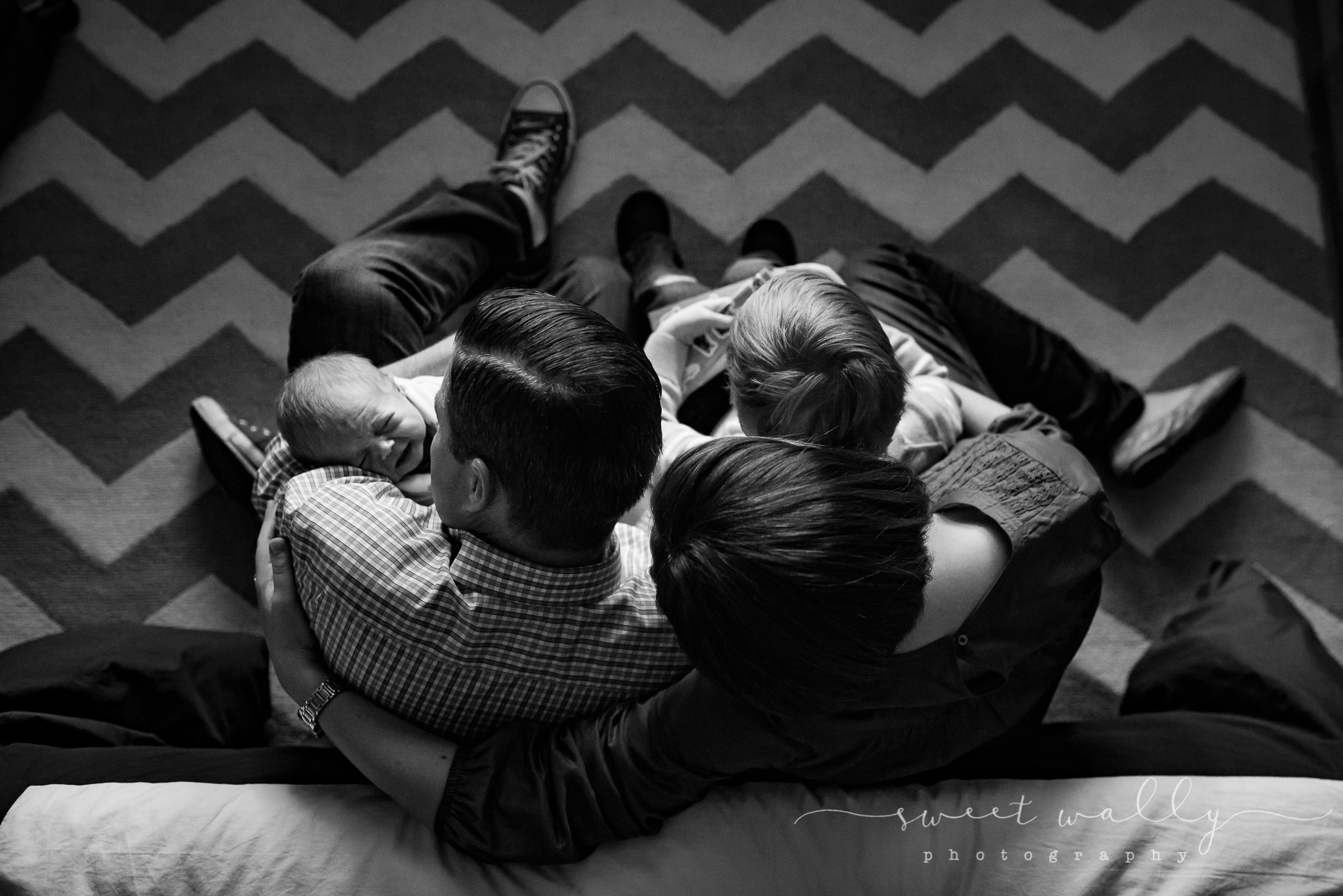 Family pow wow | Newborn Photographer in Nashville | Sweet Wally Photography