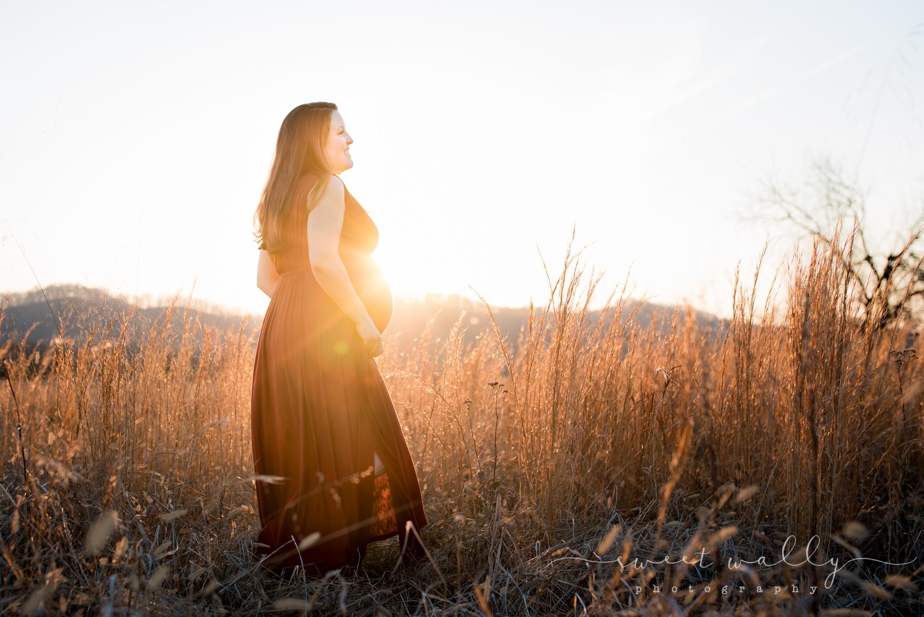 Maternity photos at sunset | Sweet Wally Photography | Nashville Maternity Photographer