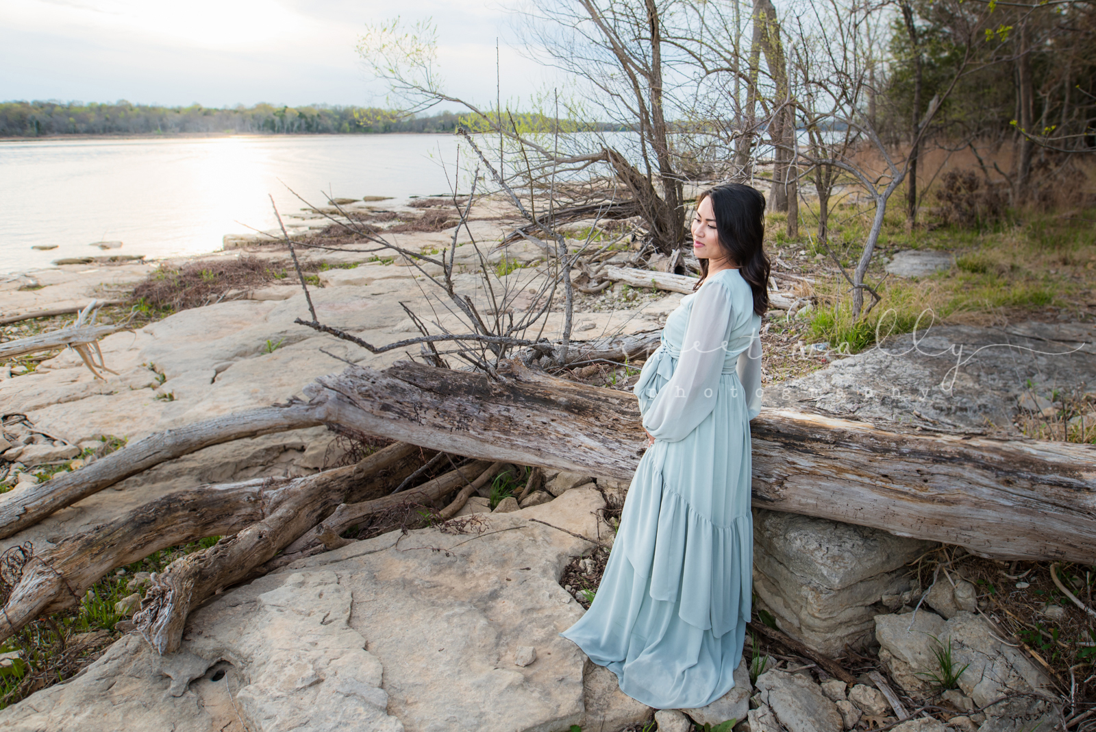 Lakeside Maternity Portraits | Sweet Wally Photography | Nashville Maternity Photographer