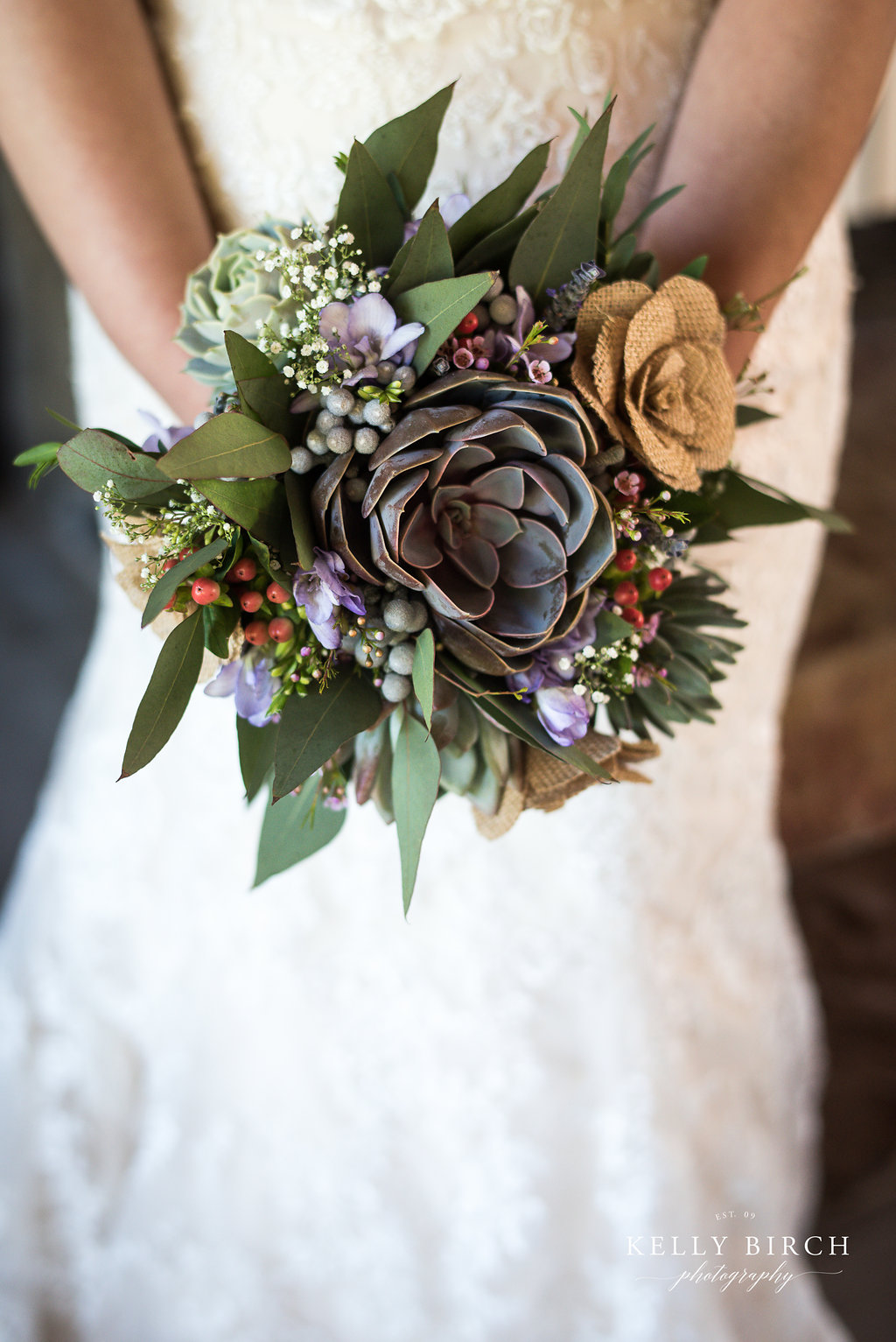 Succulents in a bridal bouquet for your wedding