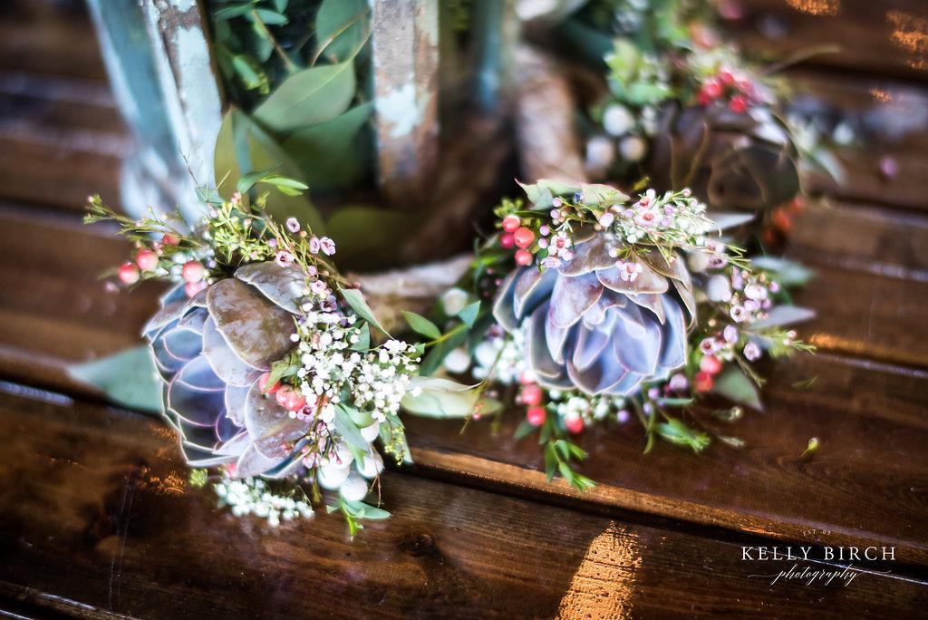 wedding succulents as garlands - pretty