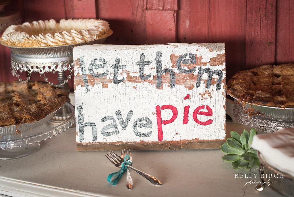 Pie instead of wedding cake for dessert!