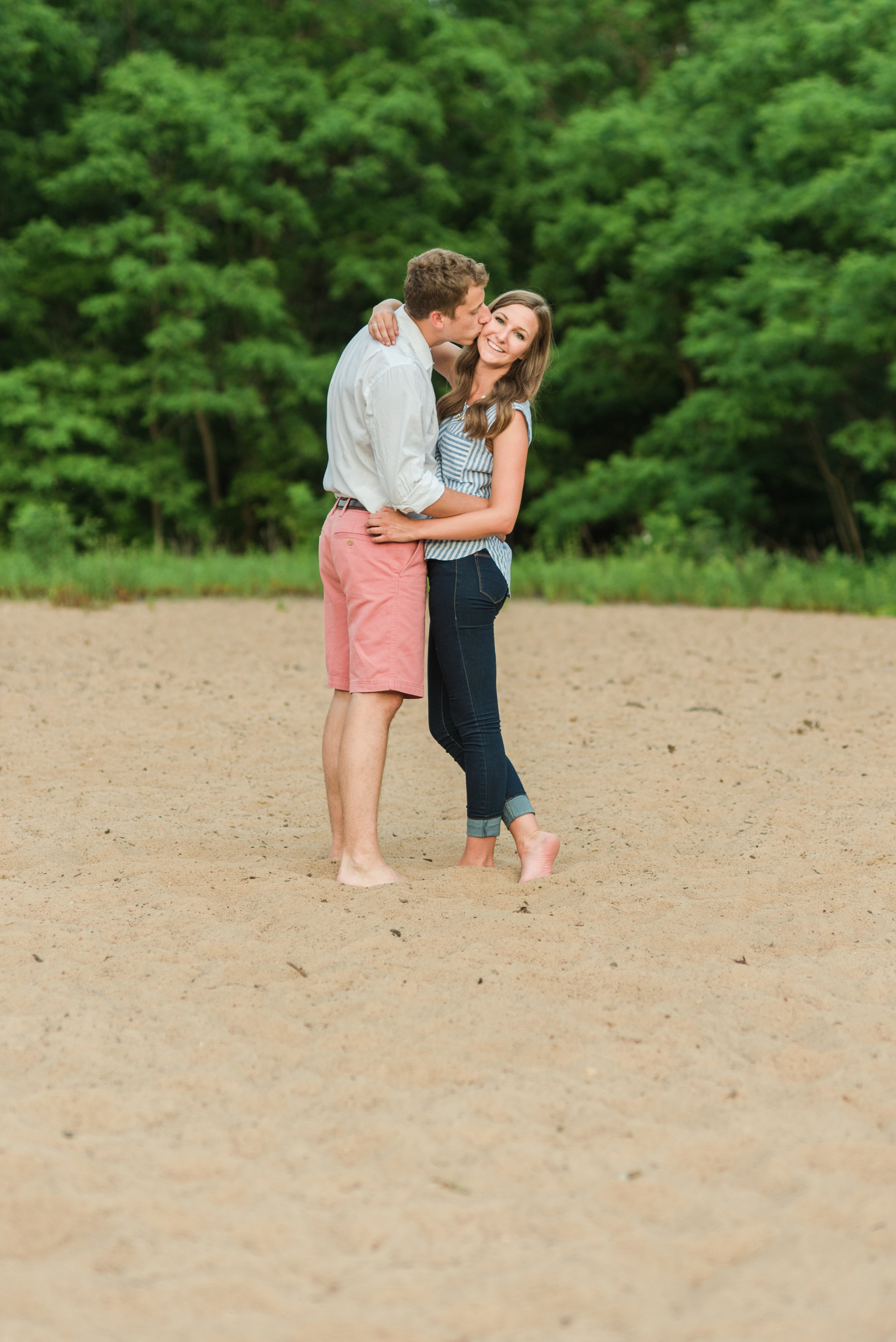 Lumos Photography | Sixpence Events & Planning Wedding Planner | Beach Engagement Session in Minnesota